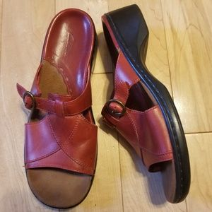 Clarks red leather buckle comfort sandals